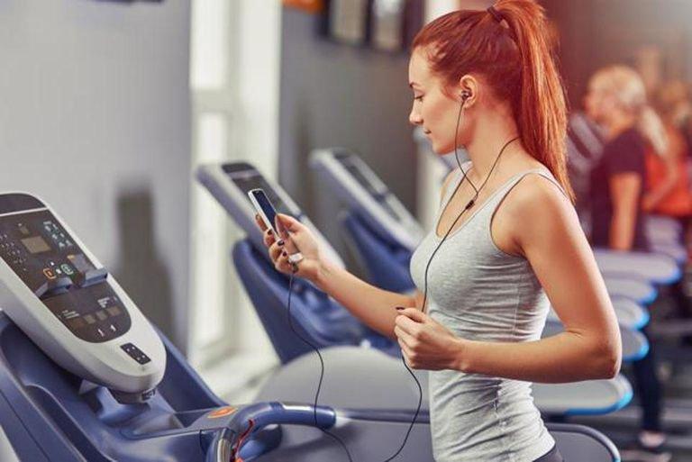 Bạn có nên tập thể dục khi bụng đói không?