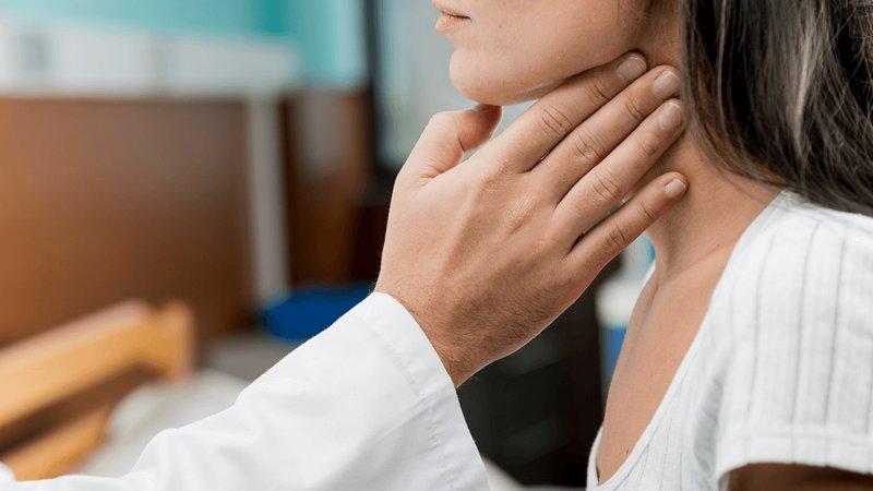 Nổi hạch góc dưới hàm 9 tháng không khỏi là dấu hiệu bệnh gì?