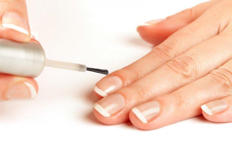 Sơn móng tay nhiều có hại không
