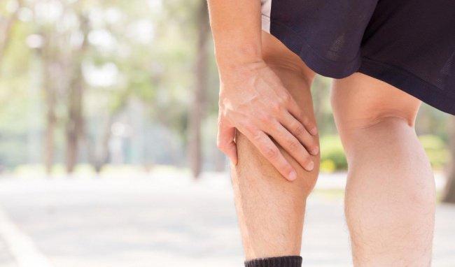 Đau nhói bên phải đầu kèm đau nhức bắp tay, bắp chân là dấu hiệu bệnh gì?
