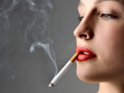 Đặc điểm đôi môi của người hút thuốc
