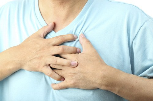 Đau đầu, sốt nhẹ, tim đập nhanh khi thay đổi tư thế là bệnh gì?