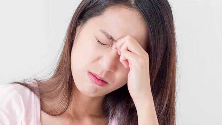 triệu chứng đau đầu và hay quên