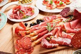 Thịt chế biến sẵn