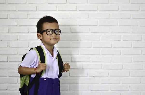 Nguyên tắc đeo kính cận cho trẻ?