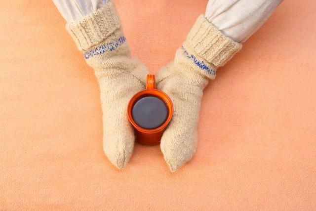 Bàn chân thường xuyên lạnh khi đi chân đất hoặc quạt thổi vào là biểu hiện bệnh gì?
