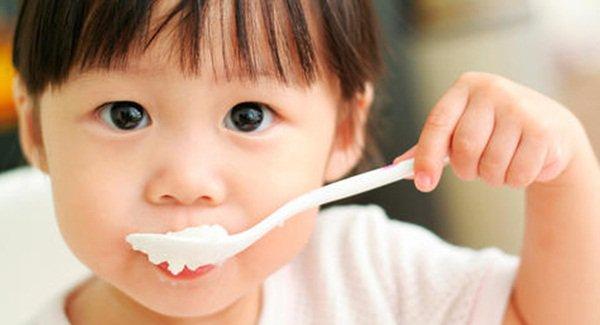Trẻ ăn nhiều sữa chua