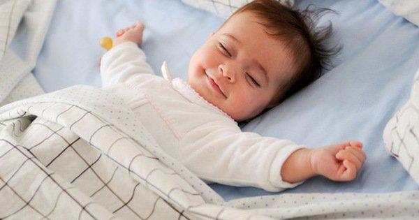 Trẻ thở nhanh khi ngủ