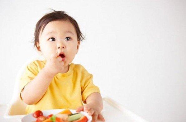 Trẻ 11 tháng không lên cân