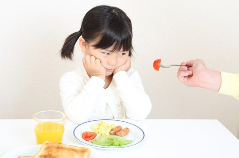 trẻ lười ăn rau