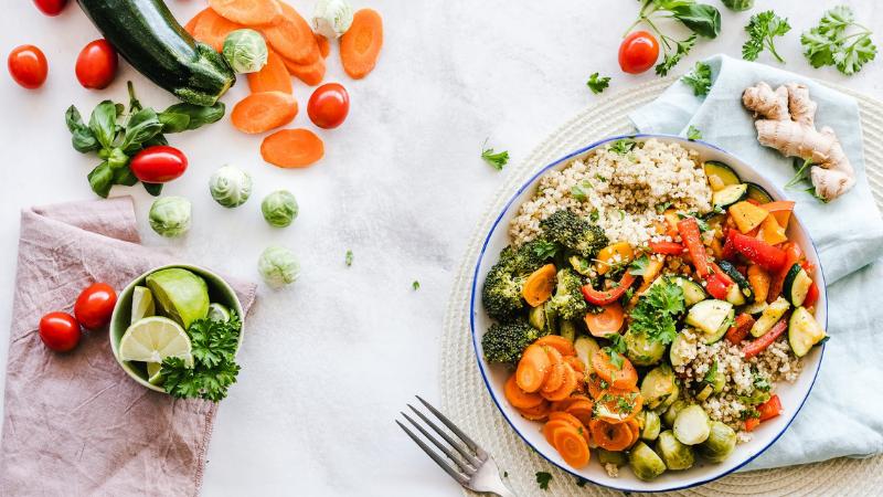 Thế nào là bữa ăn đủ chất dinh dưỡng?