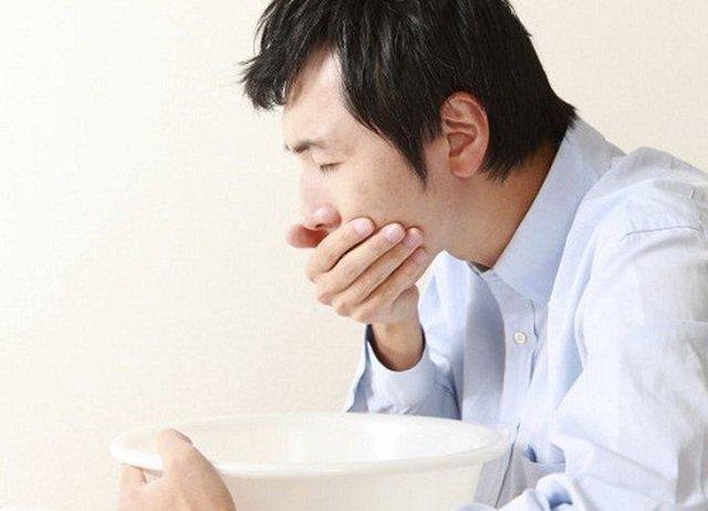 Những phản ứng phụ có thể xảy ra sau khi sử dụng thuốc là buồn nôn, khó chịu ở dạ dày, tiêu chảy, đỏ bừng vùng mặt và mất vị giác
