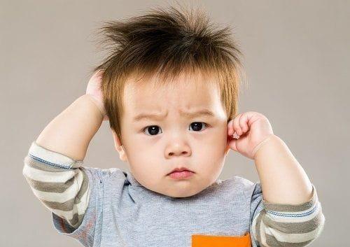 Trẻ hơn 3 tháng tuổi có vết đỏ sau đầu là dấu hiệu bệnh gì?