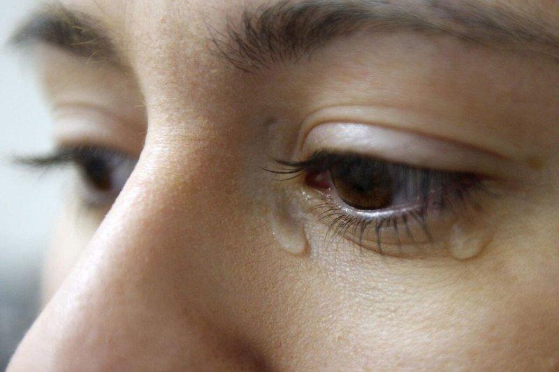 chảy nước mắt