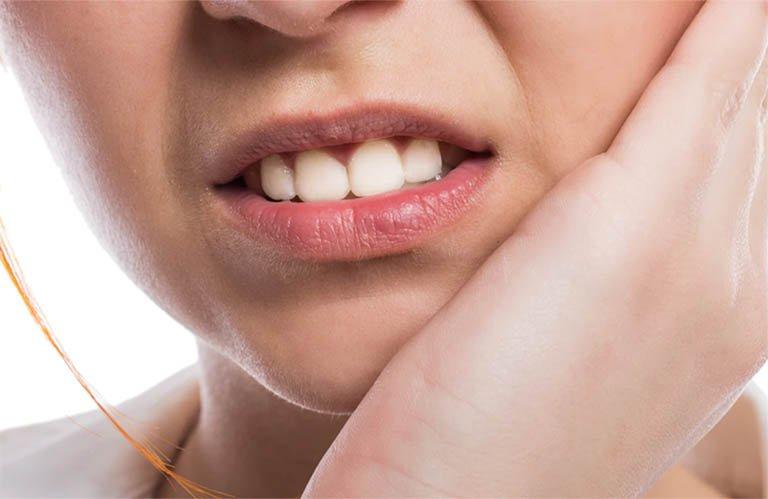 Răng thừa