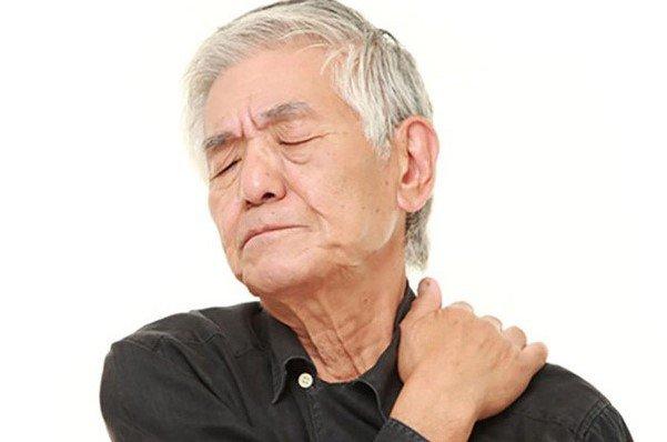 Phương pháp điều trị thoái hóa đốt sống cổ ở người già
