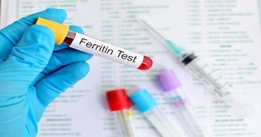 Định lượng Ferritin và acid uric trong máu có liên quan đến nhau không?