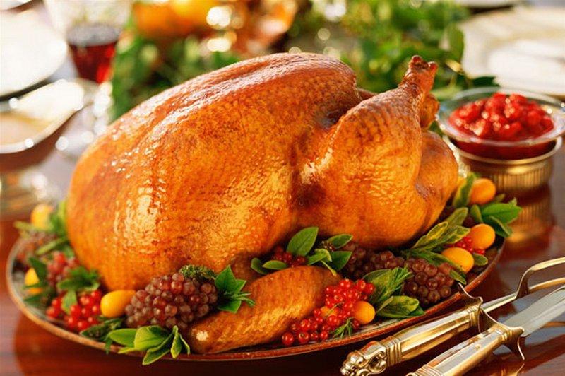 Ngoài cách ướp thịt gà nướng chuẩn thì không thể thiếu các gia vị ướp để món gà nướng tròn vị