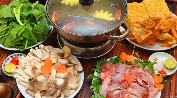 Cách nấu lẩu gà nấm thơm ngon