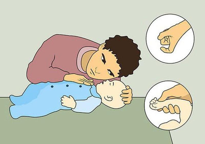 Lưu ý khi thổi ngạt cho trẻ em ngưng thở
