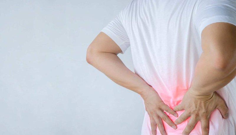 chữa đau lưng bằng xoa bóp