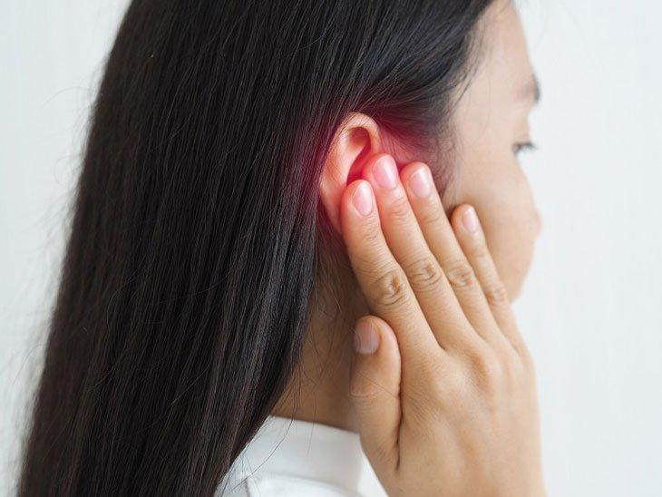 Ù tai kèm đau đầu sau điều trị chấn thương thủng màng nhĩ phải làm gì?