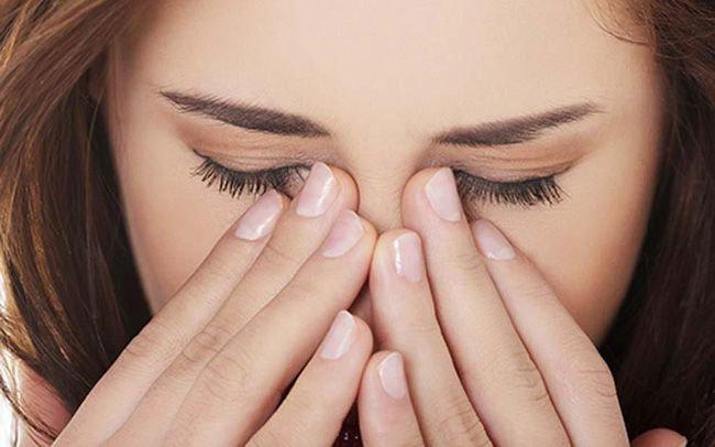 Tác hại của dụi mắt