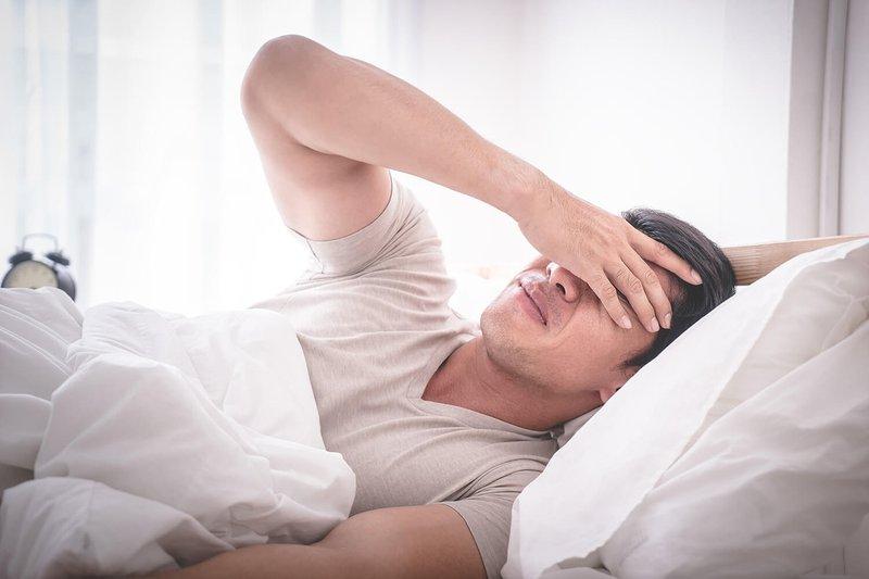 Đau đầu, mất ngủ sau khi va đập mạnh có sao không?