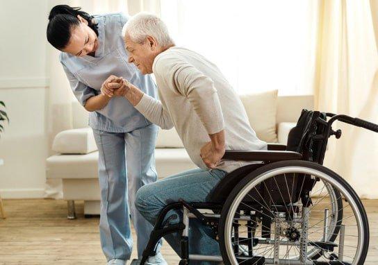 Tư thế nằm đúng cho bệnh nhân bị liệt nửa người
