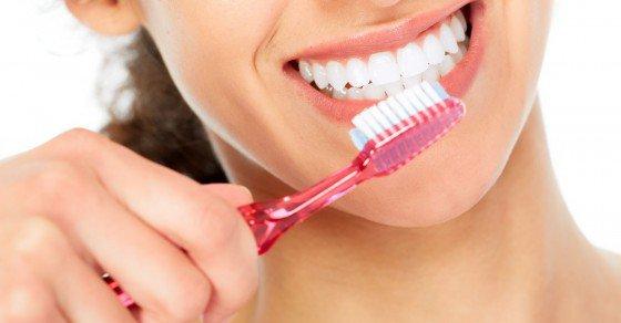 ngày đánh răng mấy lần