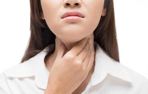 Nghẹn ở cổ họng là triệu chứng của bệnh gì?