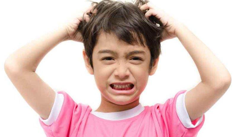 Trẻ 8 tuổi không kiểm soát được hành vi có sao không?