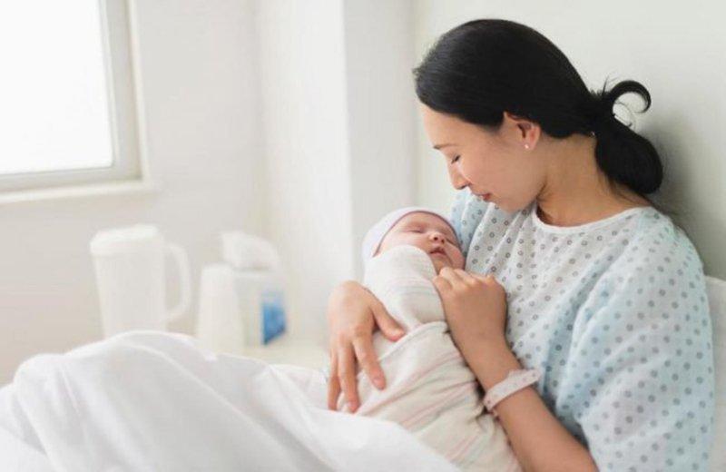 Sau sinh xuất hiện cục máu đông nguyên nhân là gì?