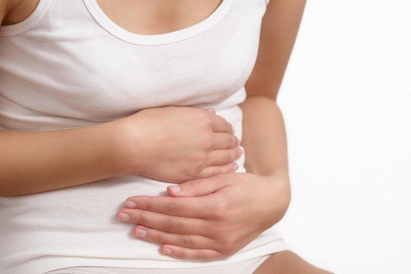 Đau bụng dưới sau mổ u nang buồng trứng có sao không?