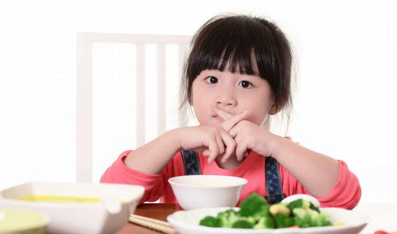 điều trị biếng ăn cho trẻ