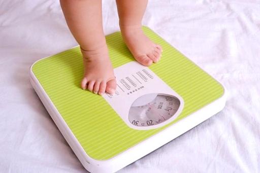Trẻ chậm tăng cân có