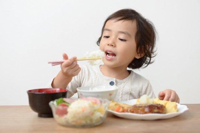trẻ 3 tuổi không tăng cân