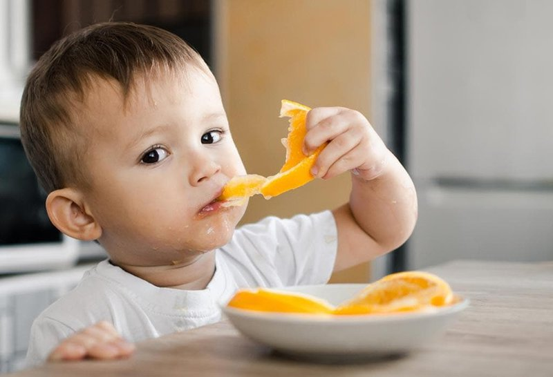 dấu hiệu trẻ thiếu vitamin C