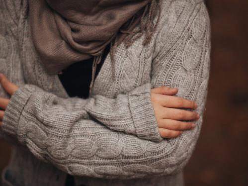 Triệu chứng ớn lạnh không kèm sốt là do bệnh gì?