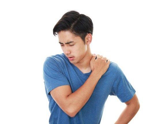 Điều trị đau chóp xoay vai như thế nào?