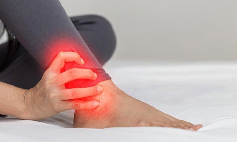 đau khớp cổ chân không sưng