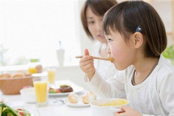 chăm sóc sức khỏe trẻ em