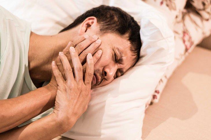 Nam giới đau thái dương bên phải điều trị như thế nào?
