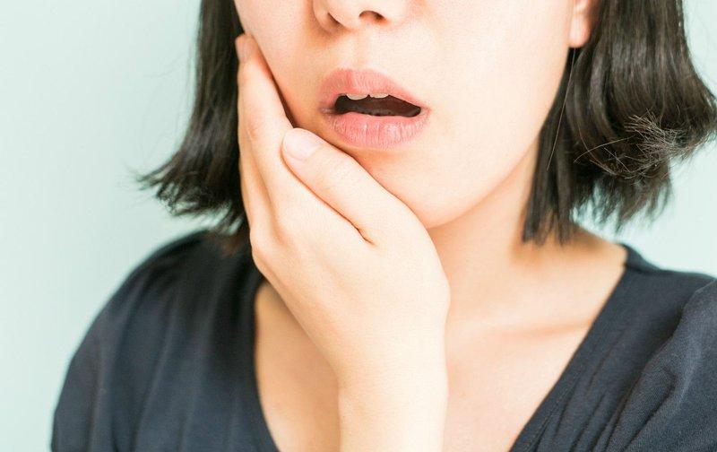 Phụ nữ mang thai bị đau nhức khi mọc răng khôn phải làm sao?