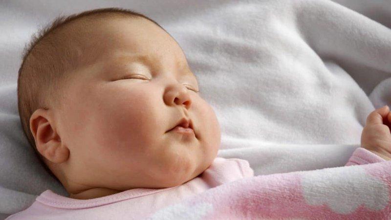 Mềm sụn thanh quản ở trẻ sơ sinh có nguy hiểm không?