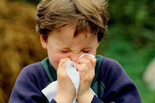 Chảy nước mũi kéo dài ở trẻ có bất thường không?