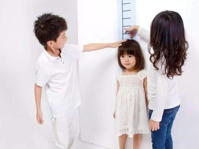 trẻ thiếu hormone tăng trưởng