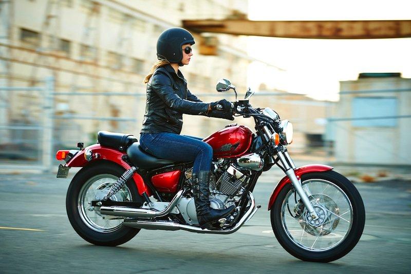 bà bầu đi xe máy đường dài