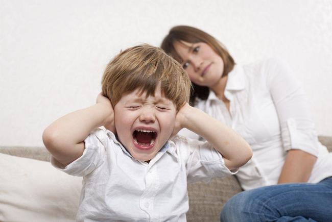 trẻ hay cáu giận